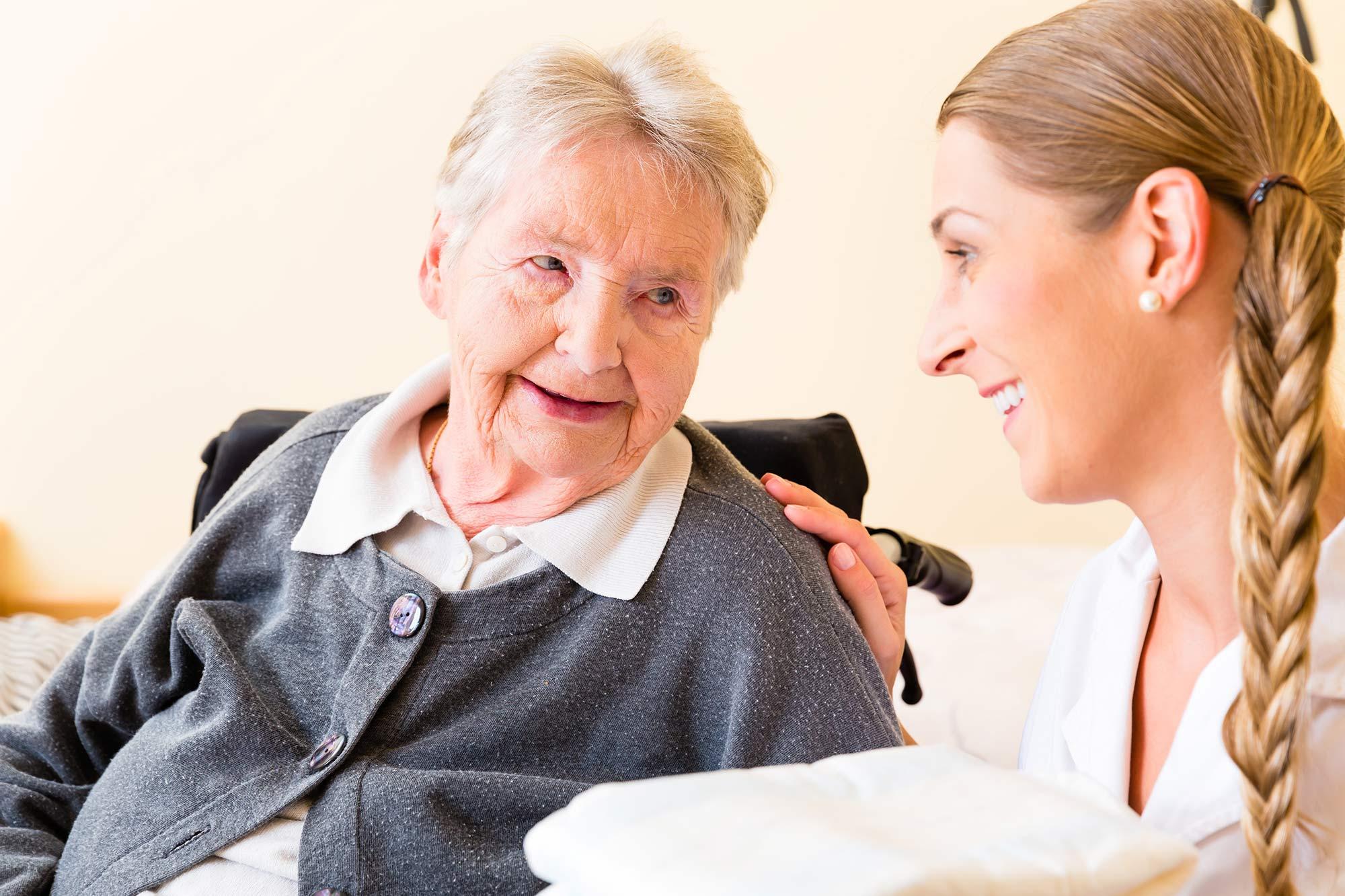 Wir suchen – Pflegehelfer (m/w/d)